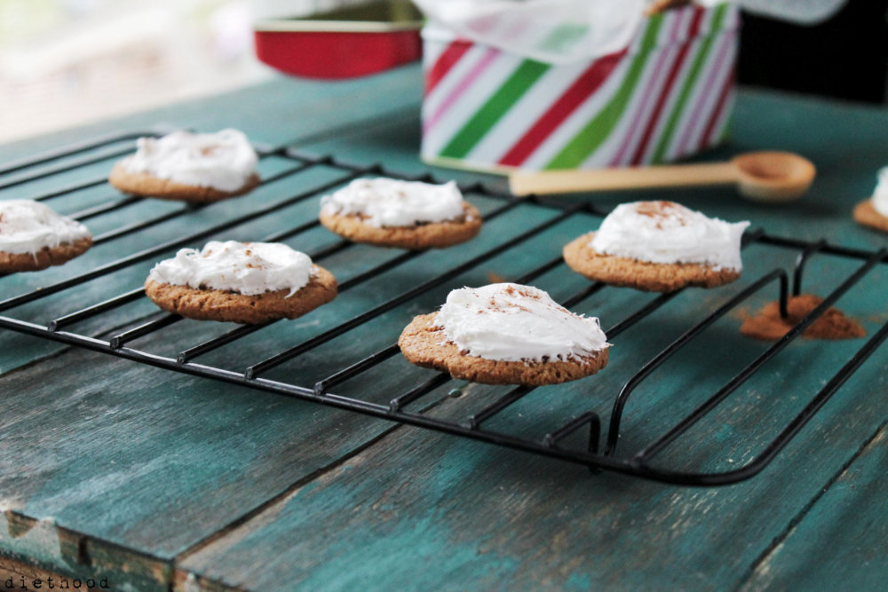 Ginger Snap Cookies with Lemon Cream Cheese Frosting