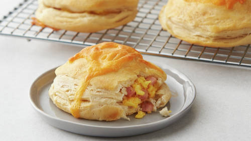Camping Freezer-Friendly Ham and Cheese Breakfast Biscuit Bombs